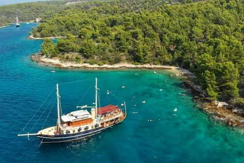 From Split: Brač and Šolta Island Cruise with Swimming