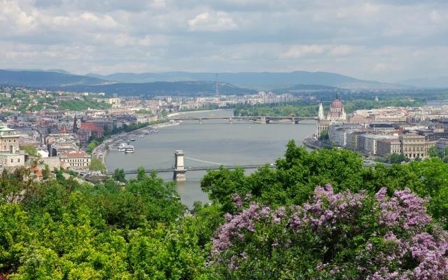 Budapest: Gellért Hill Guided Walking Tour