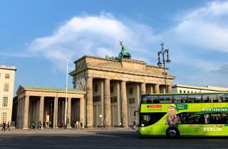 Berlin: Tour im Hop-On/Hop-Off-Sightseeingbus & Boot-Option