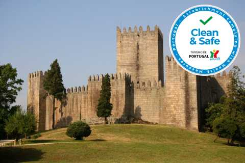 From Porto: Braga and Guimarães Full-Day Shuttle Tour