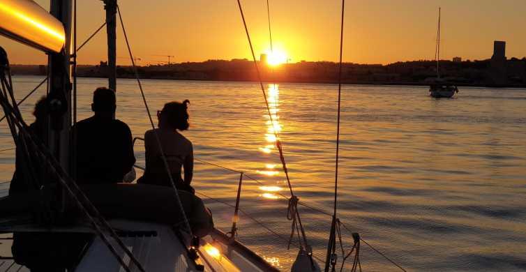 Lissabon: Private Sunset Cruise mit Sekt