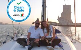 Lisbon 2-Hour Sailing Tour with Champagne