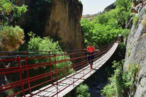 Granada: tour de senderismo por el cañón Los Cahorros de Monachil