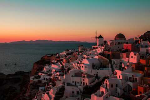 Santorini: Oia Sunset Virtual Tour From Your Home