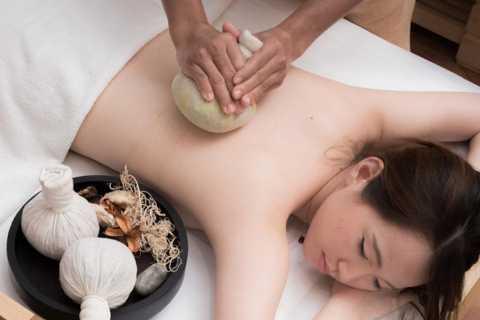 Bangkok: Yunomori Sukhumvit Herbal Compression Spa Treatment