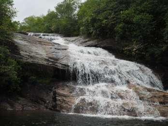 Asheville: Blue Ridge Parkway und Wasserfall Privatwanderung