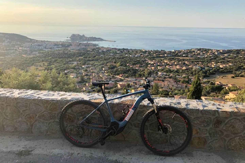 Korsika: Fahrradverleih in der Île-Rousse-Landschaft