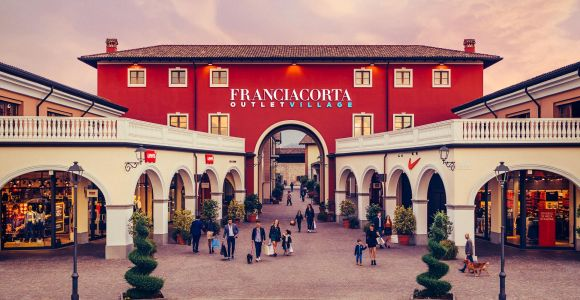 From Bergamo: Franciacorta Outlet Village Shopping Tour