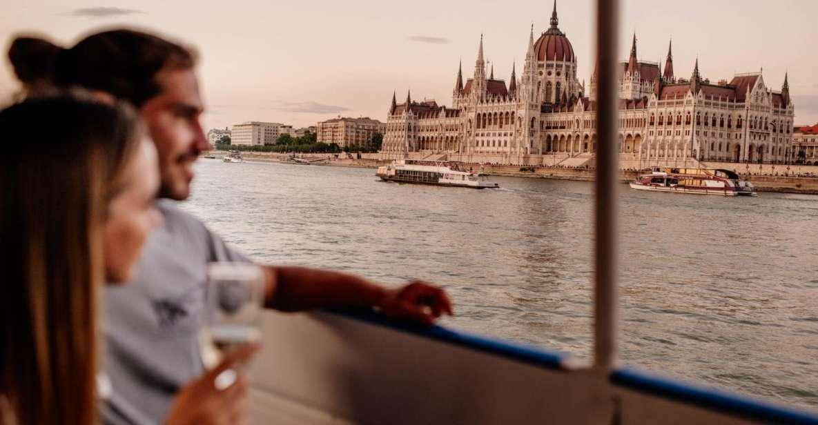 Budapeste: Cruzeiro Noturno c/ Opções de Bebidas