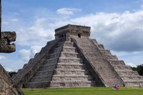 Desde Tulum: Tour a Chichén Itzá, Cenote y Valladolid