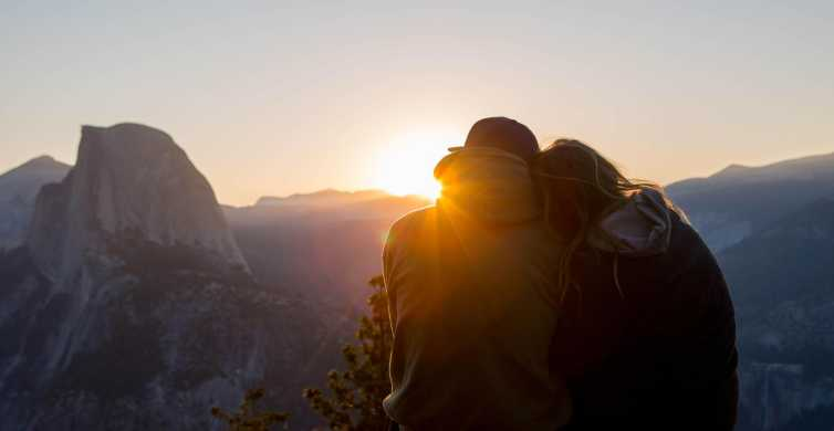El Portal: Yosemite Sunset Hike Overnight Tour with Hotel