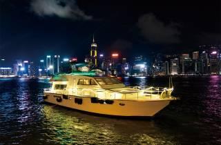 Hong Kong: Luxus-Nachtkreuzfahrt mit offener Snacks & Drinks Bar