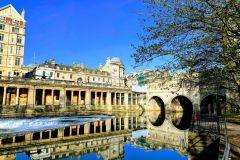 Banho: excursão privada a pé de 2 horas pela cidade