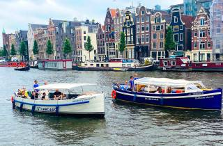 Amsterdam: Open Bar Canal Cruise