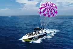 Naha: Experiência de Parasailing no Kerama Blue Sea