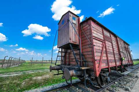 Auschwitz-Birkenau: Guided Tour with Fast Track Ticket