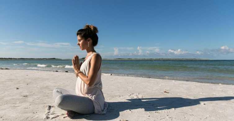 Koh Samui: lezione di yoga sulla spiaggia e tour panoramico di un'intera giornata