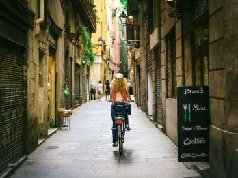 Barcelona: Sagrada Familia & E-Bike-Tour durch die Stadt