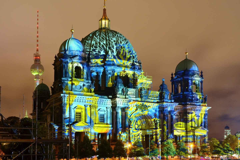 Berlin: Light Festival Nachttour im offenen Doppeldeckerbus