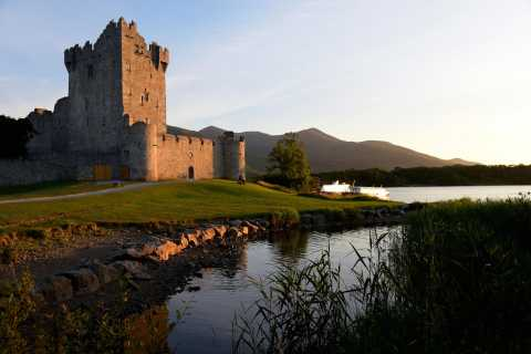 Killarney: Town Highlights and National Park Tour