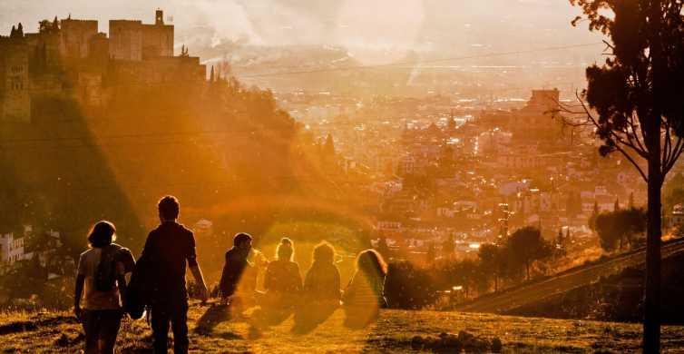 Granada: tour a pie al atardecer en Albaicín y Sacromonte