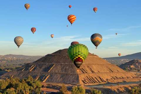From Mexico City: Teotihuacan Air Balloon Flight & Breakfast