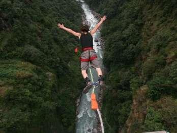 Von Kathmandu: Bungee Jump über den Bhotekosi River & Transfer