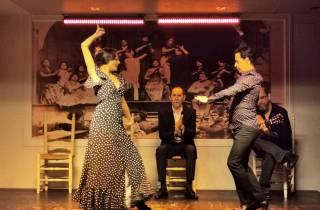 Sevilla: Flamenco-Show und andalusische Gastronomie