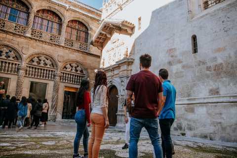 Granada: Free Walking Tour in Spanish