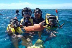 De Naha: excursão de um dia inteiro para mergulho com snorkel em Kerama