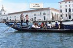 Venice: Grand Canal Gondola Ride and Walking Tour