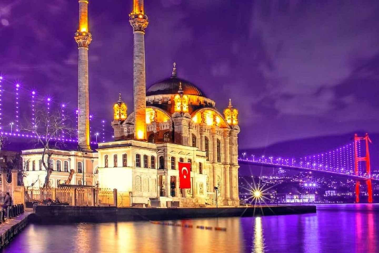 Istanbul: Bootsfahrt mit Abendessen auf dem Bosporus