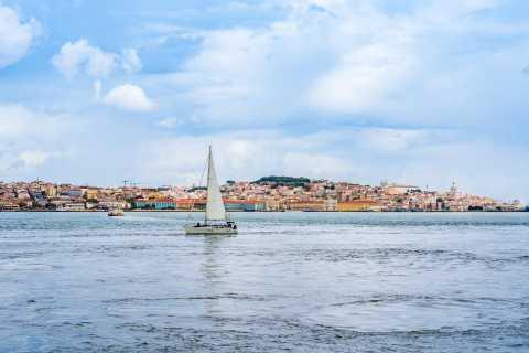 Лиссабон: дневной / круиз по городу на закате на парусной лодке с напитками