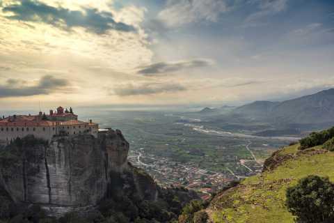 Von Athen: Privater Tagesausflug zu den Klöstern von Meteora