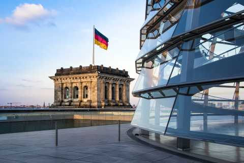 Reichstag: Tour with Plenary Chamber and Dome in German