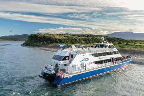 Ushuaia: Ferry Tour to Isla de los Pinguinos
