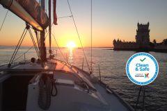 Lisboa: Passeio de Barco de 1 ou 2 Horas no Rio Tejo