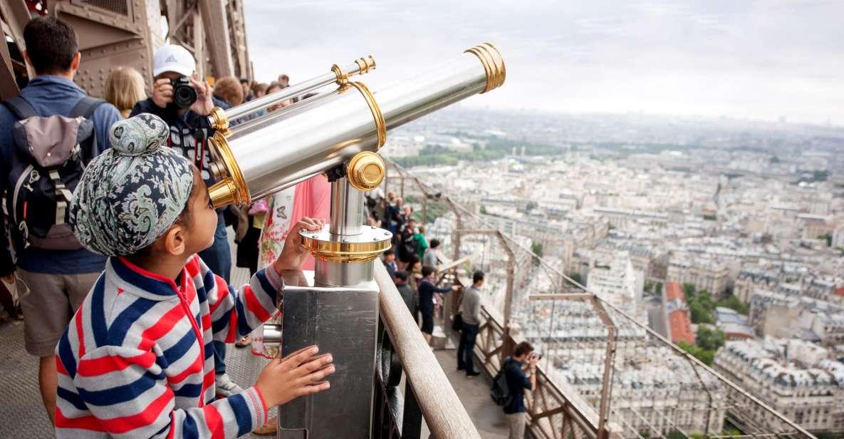 Torre Eiffel: Acesso Direto até o Topo de Elevador com Recepção