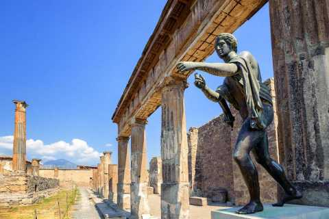 From Sorrento: Pompeii & Vesuvius Tour by Boat with Lunch