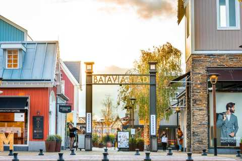 Batavia Stad Fashion Outlet: VIP Day Pass and Coffee & Treat