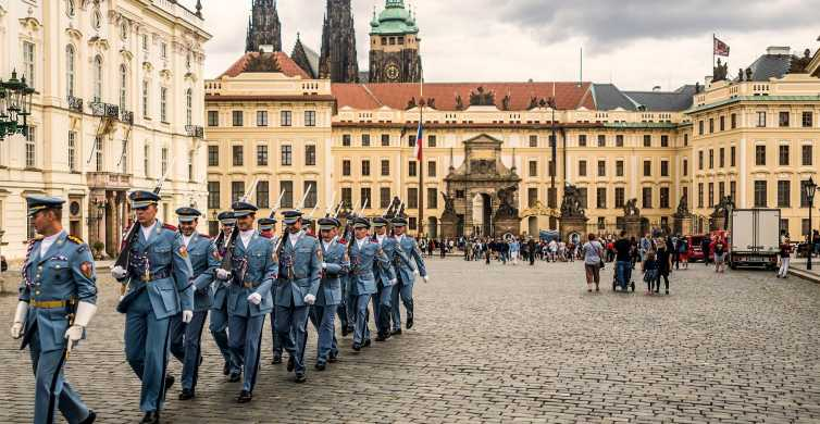 1-Hour Tour of Prague Castle With Fast-GET Admission Ticket
