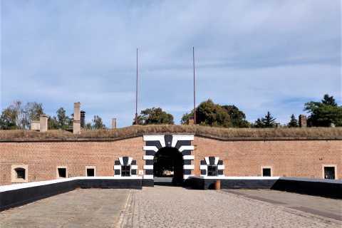 Ab Prag: Führung in der KZ-Gedenkstätte Theresienstadt