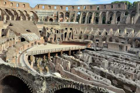 Rome: Colosseum Entry Ticket and English Presentation