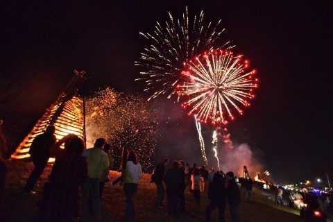 New Orleans: Christmas Eve Bonfire Experience