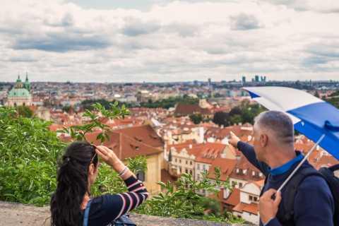 Prag: Sex timmars tur med rundvandring, båttur och lunch