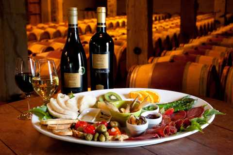 Napier: Gourmet Lunch and Wine Tour