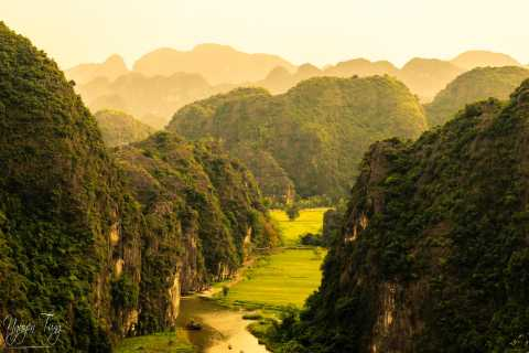 From Hanoi: Hoa Lu and Tam Coc Sightseeing and Biking Tour