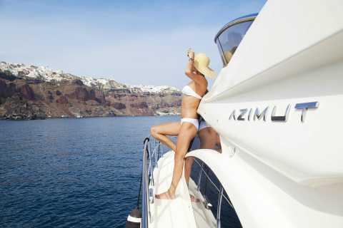 Santorini: Island Highlights Cruise on a Luxurious Yacht