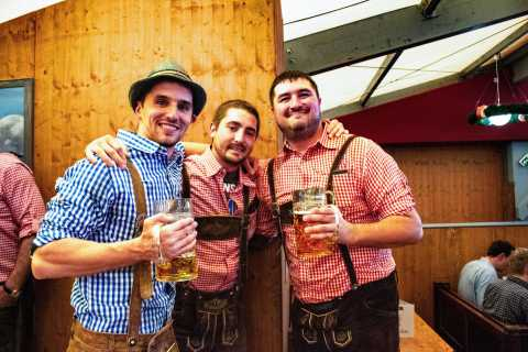 Munich: Oktoberfest Tour with Reserved Beer-Tent Table