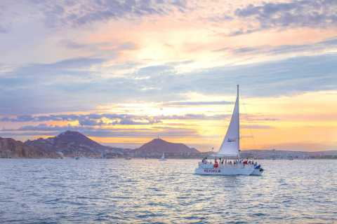 Cabo San Lucas: Sunset Party Cruise mit offener Bar